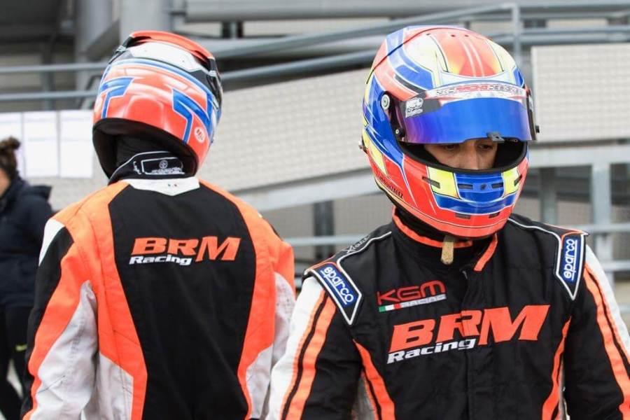 Equipacion piloto karting AGA Racing