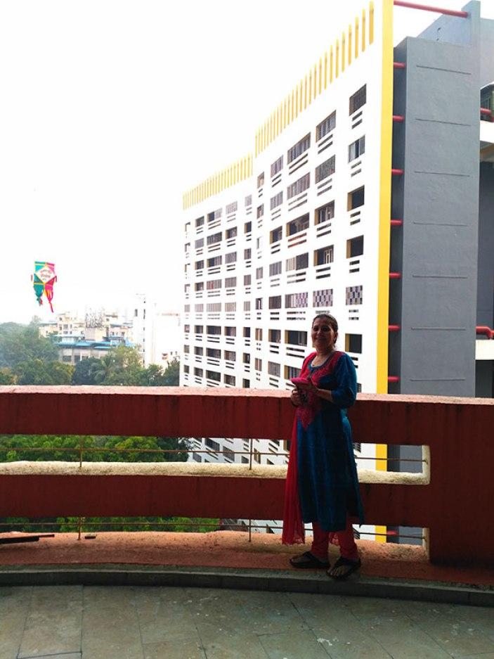 almas-in-balcony.jpg