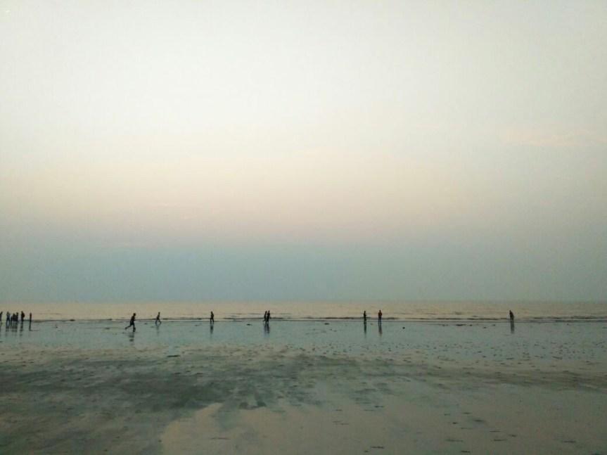 juhu-beach-people.jpg