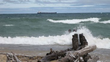 Whitefish-Point-ore-freighter-big