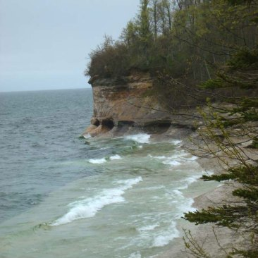 Pictured-Rocks-2