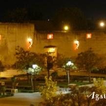 2019NM0212-Meknes-Riad-Vue place Lalla Aouda jeux lumieres