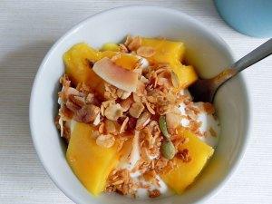 coconut-granola