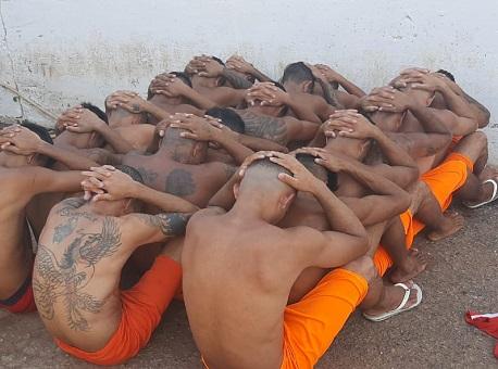 29-09-2020 Policiais-penais-encontram-tunel-no-chão-de-cela-no-Complexo-Penitenciário