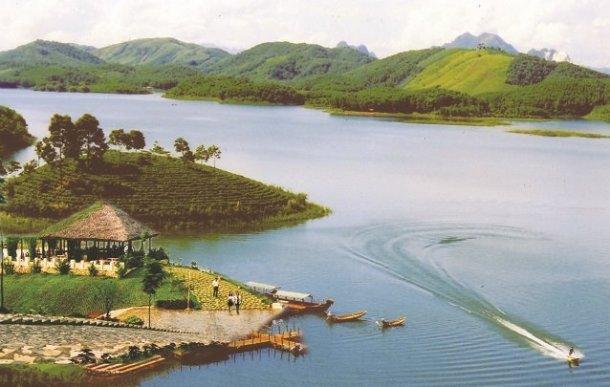 Voyage Yen Bai et decouverte ses sites touristiques, lac Thac Ba