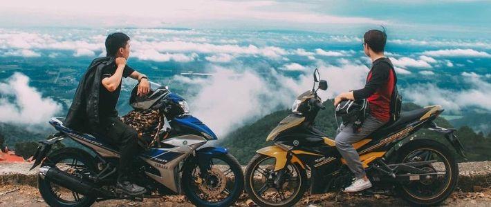 Voyage à moto aux montagnes