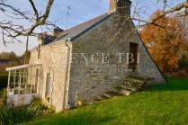 862-TBI - Vannes- Maison en pierre sur terrain constructible