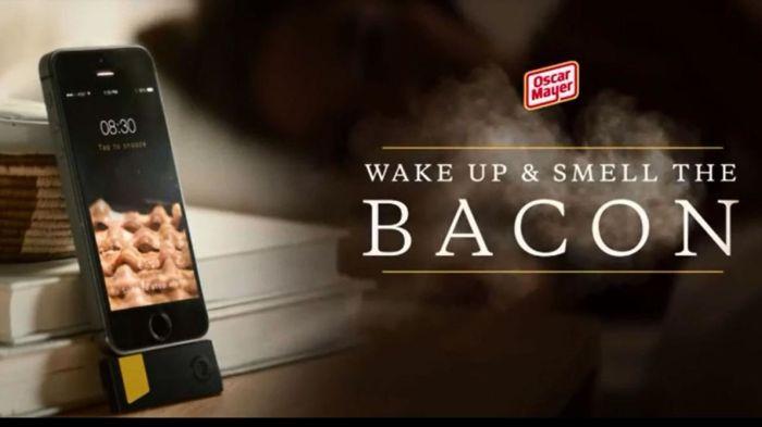 Oscar Mayer har udviklet ny app, der skal sende folk uf af fjerene til duften af friskstegt bacon.