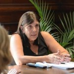 """Ministra Teresa García: """"si los casos siguen creciendo y se complica el sistema sanitario, se volverá para atrás"""""""