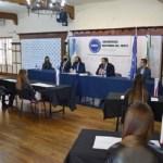 Acto de colación de grados en la UNO encabezado por el Rector Roberto Gallo y el Decano Gustavo Soos