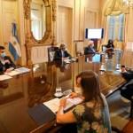 """El presidente Fernández encabezó la primera reunión oficial del Comité de Vacunación: """"empezará la primera quincena de enero"""""""