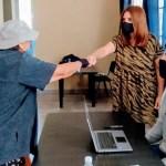 El Municipio de Malvinas Argentinas asesora a los adultos mayores que quieren vacunarse contra el Covid-19