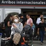 El Gobierno nacional dispuso suspender desde este sábado los vuelos provenientes de Brasil, Chile y México