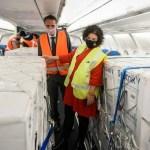La ministra Vizzotti recibió en Ezeiza el duodécimo vuelo de Aerolíneas Argentinas desde Rusia con 800 mil dosis de la Sputnik V