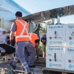 Un nuevo cargamento con 765.545 dosis del componente 1 de la vacuna Sputnik V llegó a la Argentina por vía aérea desde Moscú