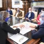 El Presidente Fernández recibió en Casa Rosada a vecinos de Moreno y les presentó el plan maestro de obras para desagües cloacales