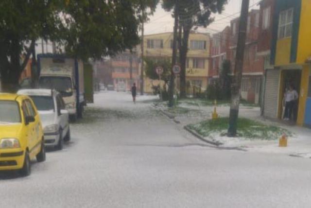 Con granizo Bogotá se vistió de blanco
