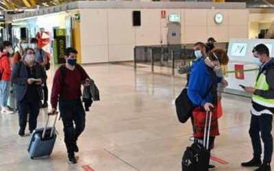 España suspende temporalmente el ingreso de viajeros de Colombia entre otros países