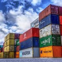Balança comercial bate recorde com queda das importações