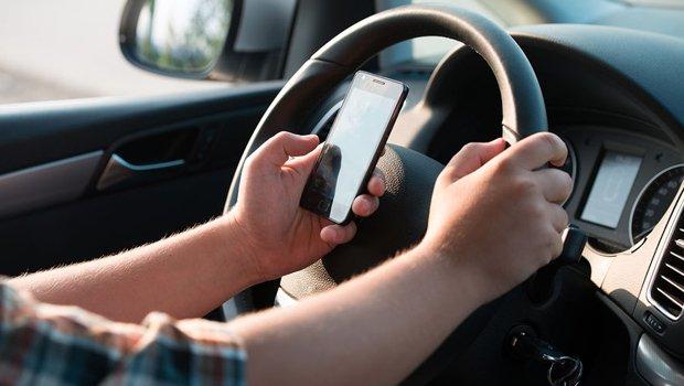 Uso de celular ao volante