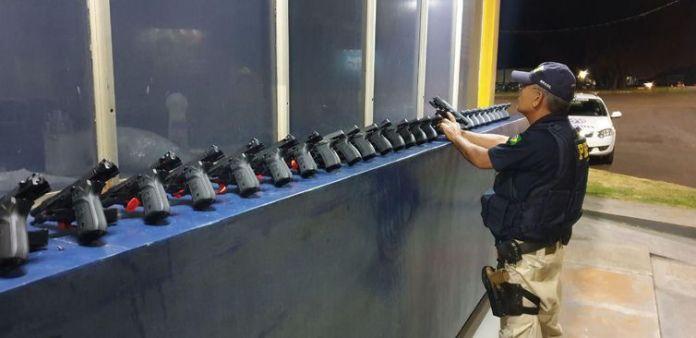 Do total de armas apreendidas, 20 são de fabricação argentina e as demais de origem turca