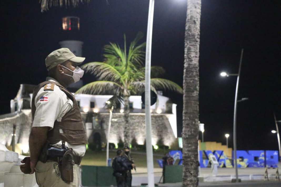 Polícia Militar Toque de recolher