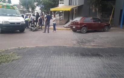 Tránsito: Automóvil choca a una moto