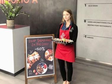 hostessa na degustacje kulinarne