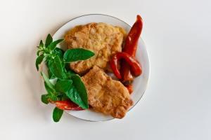 plate white fish chilli