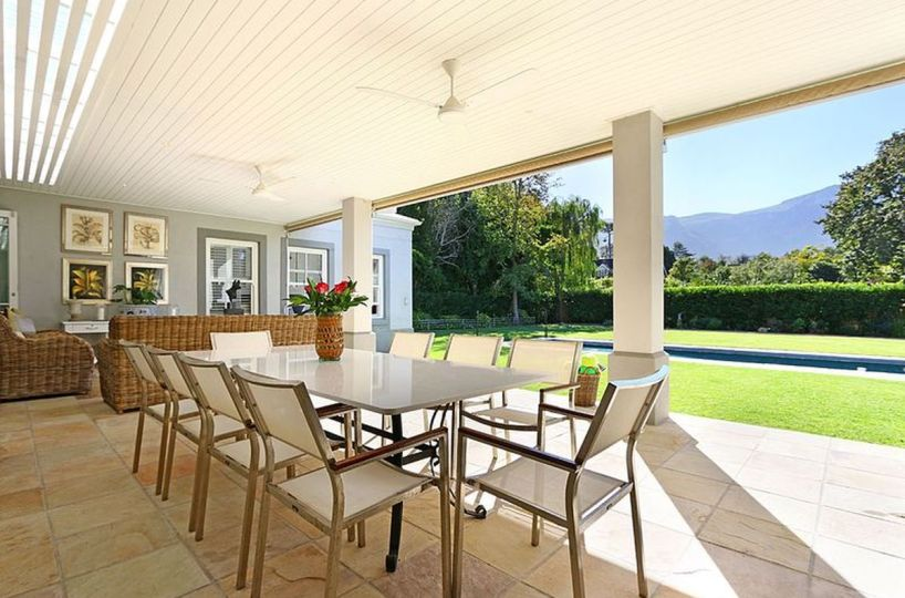 Luxury Four Bedroom Self Catering Villa Constantia