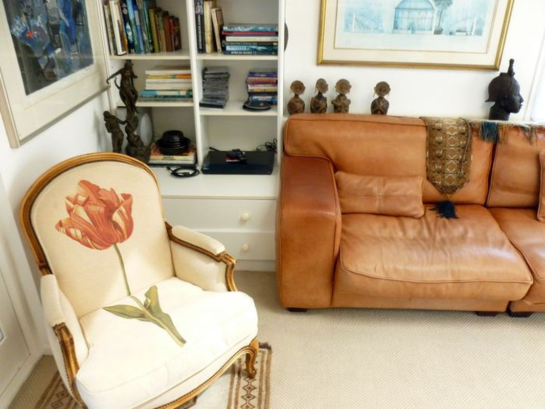 One Of The Most Spacious Holiday Rental Apartments Kalk Bay Sleeps 4 + 1 #BAN
