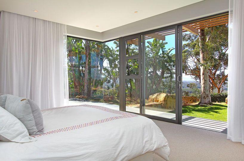 Constantia Modern 5 Bedroom Self Catering Villa