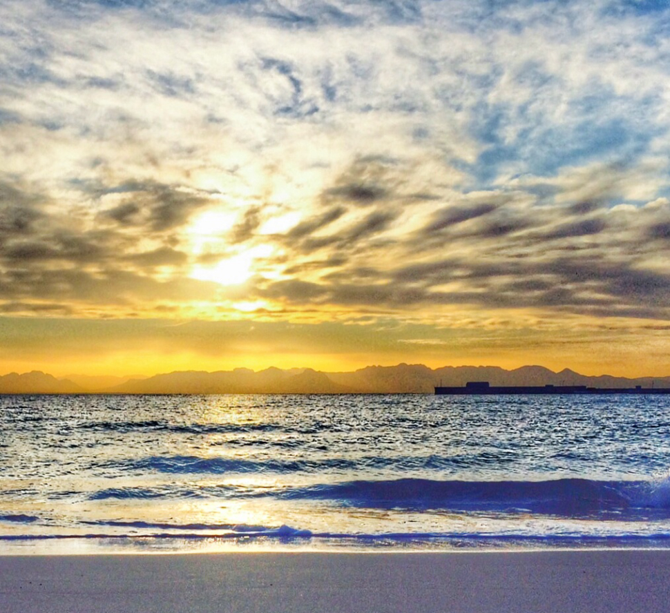 Long Beach In Simons Town Things To Do where scubadivers, kids, families have fun