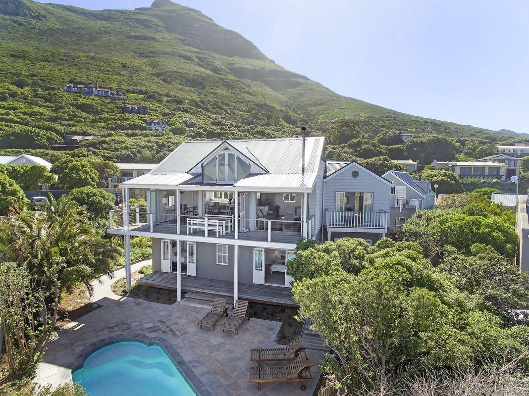 Noordhoek-Beach-House pool view