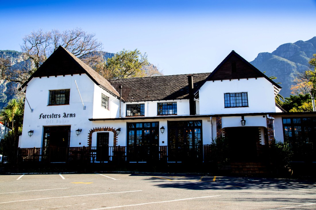cape-town-bars-Foresters-Arms-Newlands