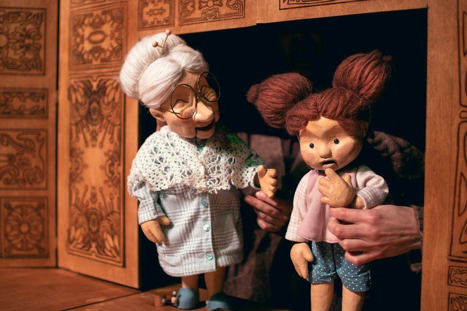 A Caixa de Nove Lados' - Teatro de Marionetas