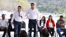 Inaugura Omar Fayad obras importantes para habitantes de la Misión y Jacala4