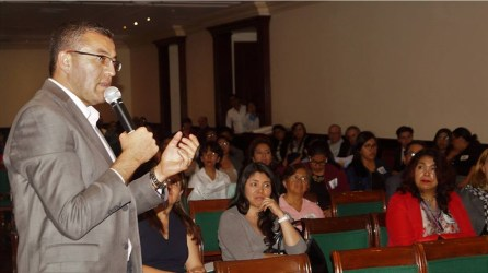 Alfonso Delgadillo promueve defensa de archivos documentales2
