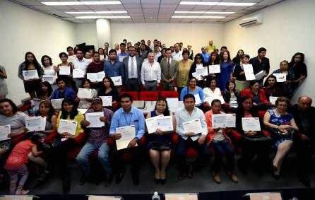 Concluyen estudios de nivel básico, gracias a UAEH 2