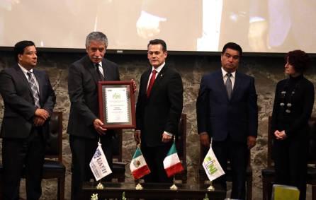 Culmina VII edición de FINI con homenaje a Ramón Valdiosera3