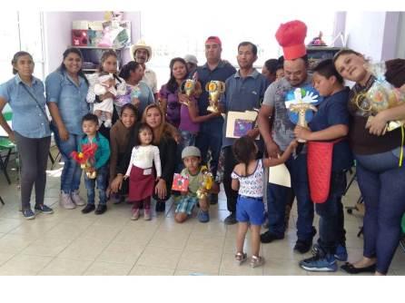 Celebran a los papás tizayuquenses en los 7 Centros PAMAR2