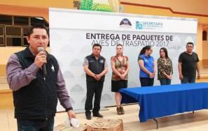 Entrega Raúl Camacho aves de traspatio4