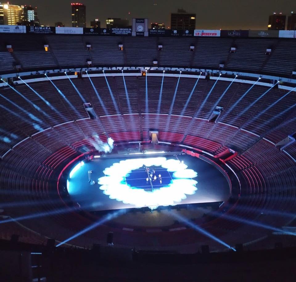 Convierten en cancha de tenis a la Monumental Plaza de Toros México, jugará Roger Federer