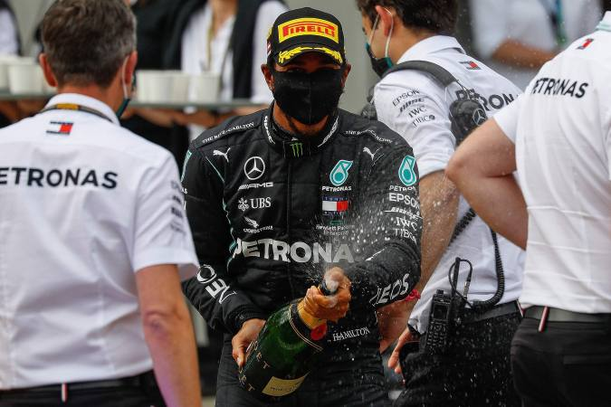 Lewis Hamilton gana Gran Premio de Estiria, Checo Pérez alcanzó la sexta posición