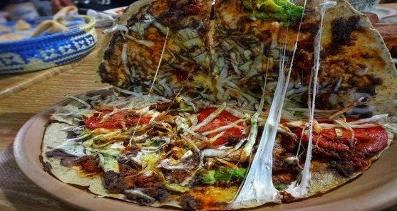 La tlayuda oaxaqueña se corona como la mejor comida callejera de América Latina