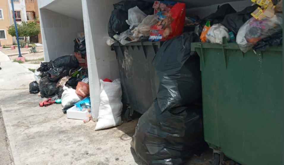 Desorden y caos en Ayuntamiento de Cancún por recolección de basura