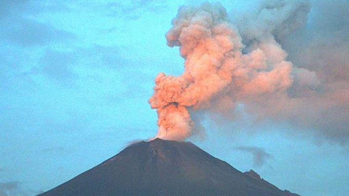 Semáforo en amarillo fase 2 por explosión del volcán Popocatépetl VIDEO