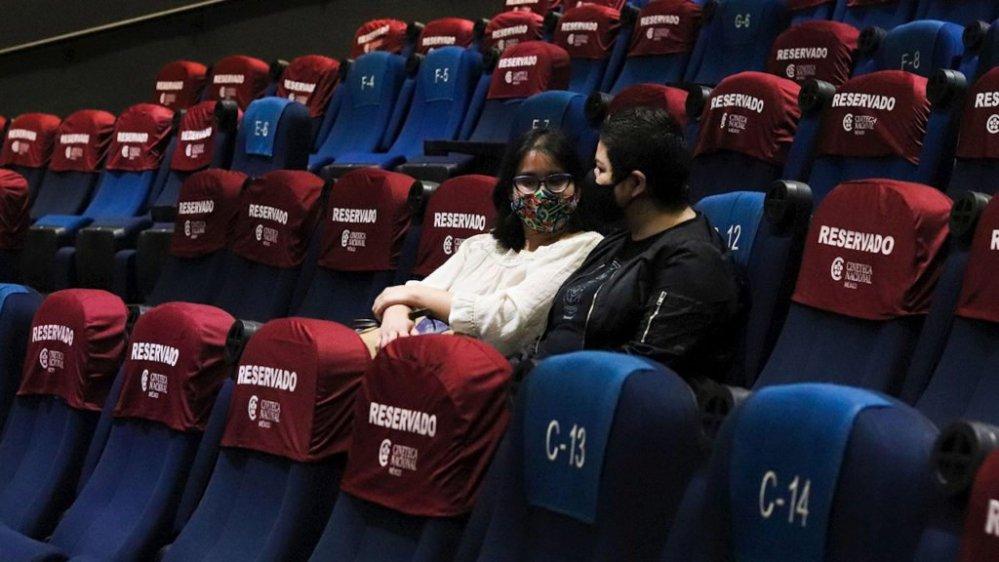 Mexicanos siguen sin ir al cine y empresas reportan millonarias pérdidas tras la pandemia