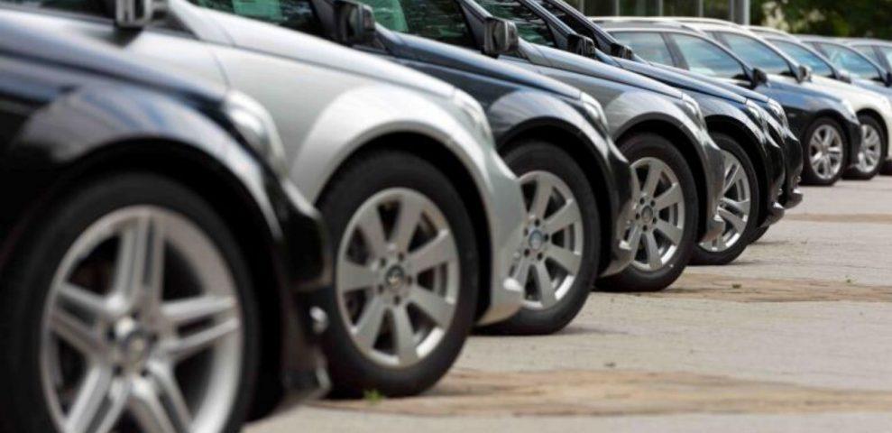Caen 28% en 2020 las ventas de autos nuevos en México