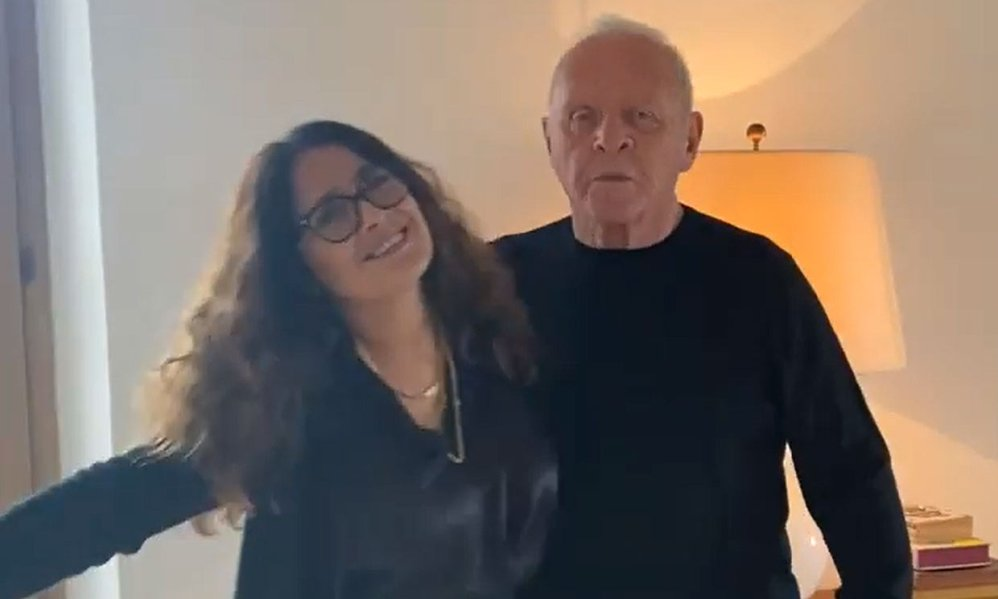 VIDEO: Así baila Anthony Hopkins con Salma Hayek celebrando su Oscar